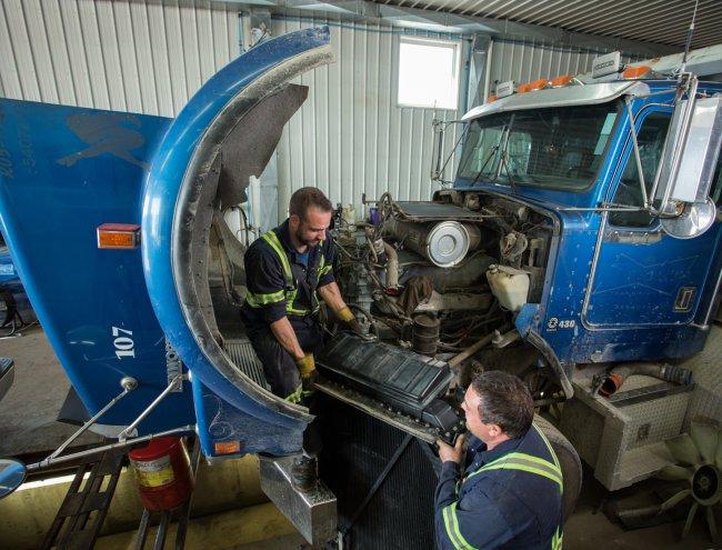Entretien et réparation de véhicules lourds